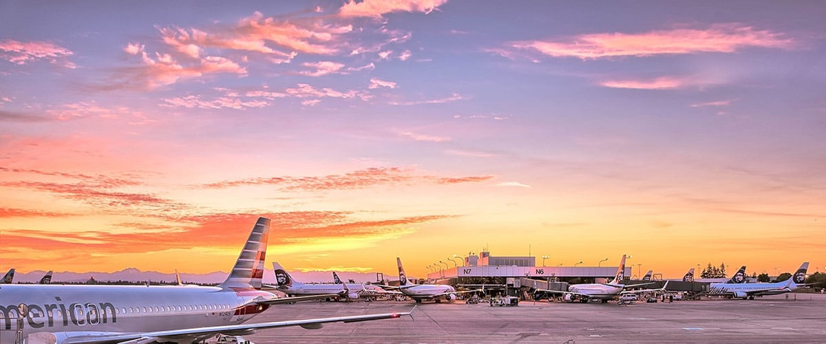 chiusure aeroporti portoni hangar